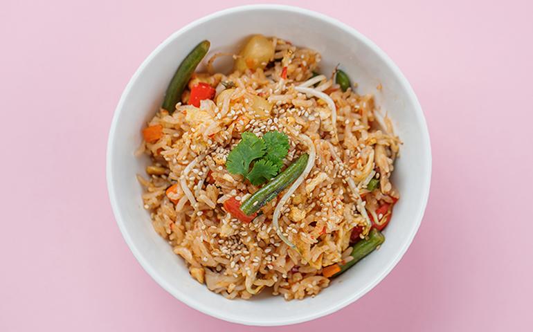 Смажений рис з овочами – Bamboo