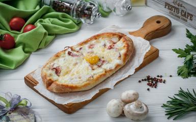 Solo піца Карбонара