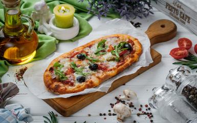Solo піца з салямі