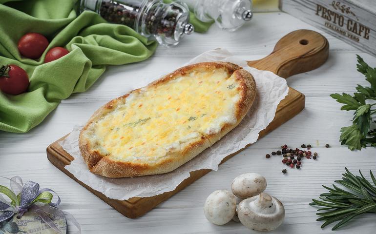 Solo піца Чотири сири  – Pesto Cafe