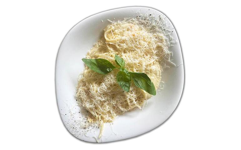 Паста-основа КВАТРО ФОРМАДЖИ L (cередня порція) рекомендовано зі спагеті     – Vapiano