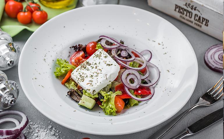 Салат Грецький  – Pesto Cafe