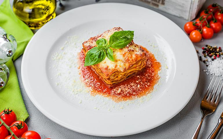 Лазанья Болоньєзе  – Pesto Cafe