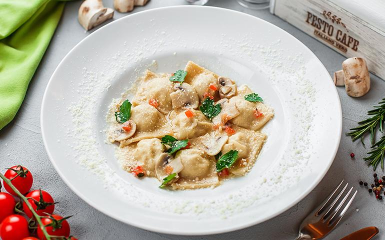 Равіолі з кроликом – Pesto Cafe